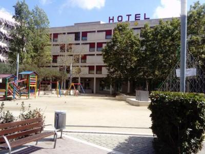 Enoturismo con alojamiento en Hotel Pere III El Gran **** para 2 personas