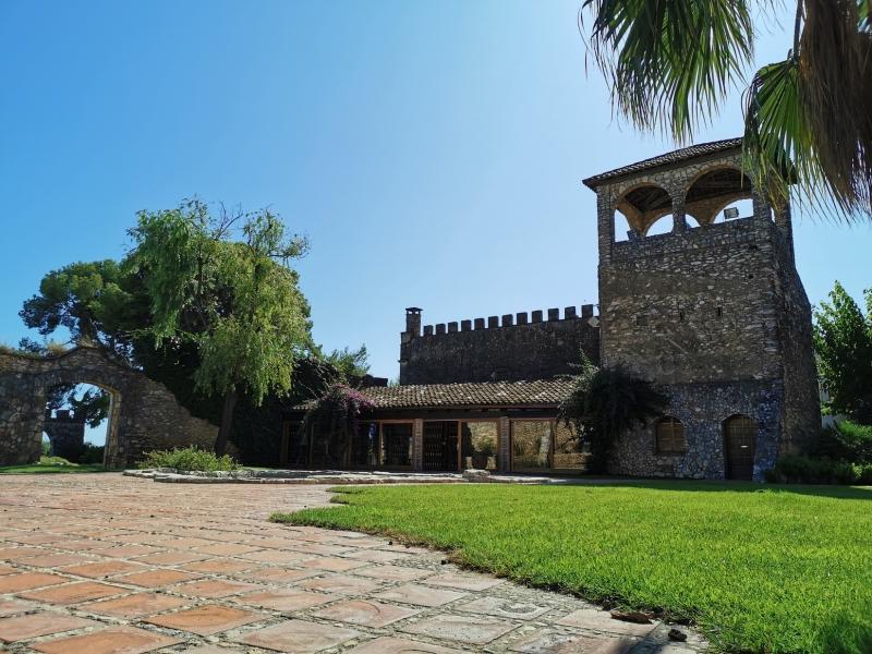 Visita viñedos, bodega y cata guiada 2 cavas en Bodegas Jaume Serra