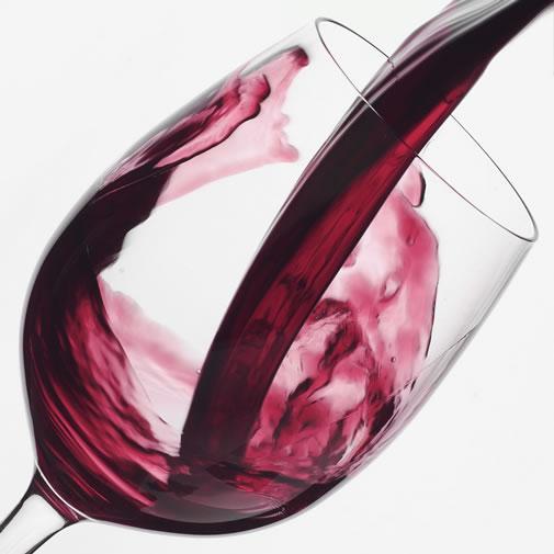 La importancia del sumiller…detalles únicos en el servicio del vino.