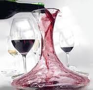 ¿Por qué se necesita decantar algunos vinos?