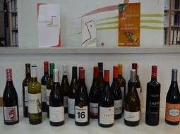 Se presenta en Monterrei 'Guía de Vinos, Destilados y Bodegas de Galicia 2018'.
